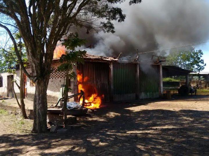 Incêndio atinge carpintaria do Lar Pella Bethânia