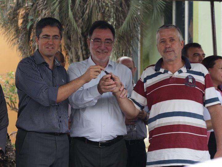 Ministro realiza entrega de equipamentos para agricultura familiar