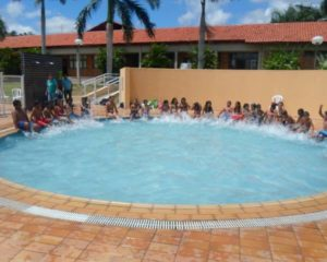 Crianças da ONG Servos aproveitam dia de lazer no SESC