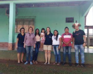Em roda de conversa, indígenas e professoras e professores de Rondônia discutem como trabalhar a temática indígena em sala de aula